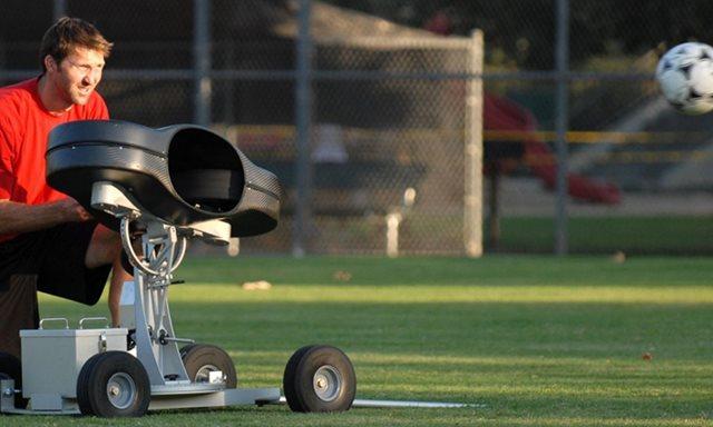 Digi无线设计服务和Digi XBee ,帮助将足球变成一项智能运动